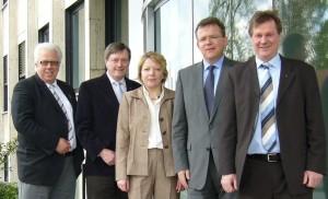 Foto von links nach rechts: Ortsvorsitzender Klaus Reiher, Landtagskandidat Wilfried Grunendahl, Kreistagsabgeordnete Heike Weiß, Kaufmännischer Geschäftsführer Theodor Determann, Europaabgeordneter Markus Pieper