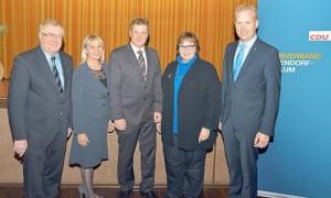 Weichen für die Europawahl stellen die CDU-Delegierten (v.l.) Reinhold Sendker, Elke Duhme, Dr. Markus Pieper (Europa-Abgeordneter), Astrid Birkhahn und Henning Rehbaum.