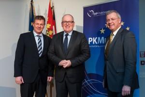 Bild: © FKPH, von links: Markus Pieper (CDU), Erster Vizepräsident der EU-Kommission Frans Timmermans, Markus Ferber (CSU)