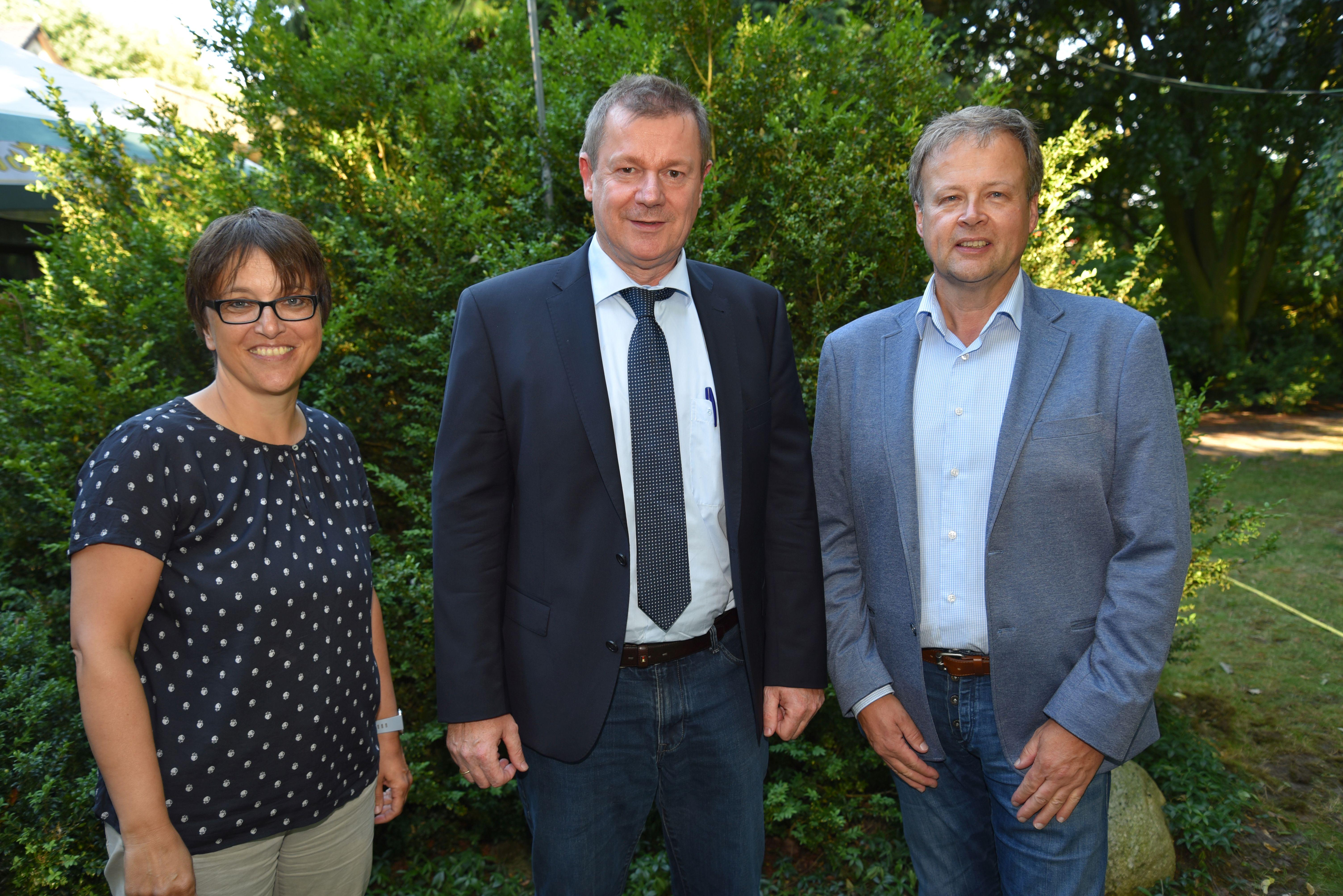 Dr. Markus Pieper (Mitte) referierte auf Einladung des CDU-Vorsitzenden Christian Moll und seiner Stellvertreterin Susanne Werthmöller über aktuelle europäische Politikfelder.
