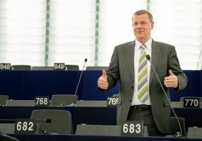 Download (ca. 0,6MB) – (c)EPPGroup-Photo:MLahousse